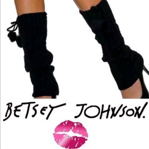 NWT Betsey Johnson black cable knit leg warmers